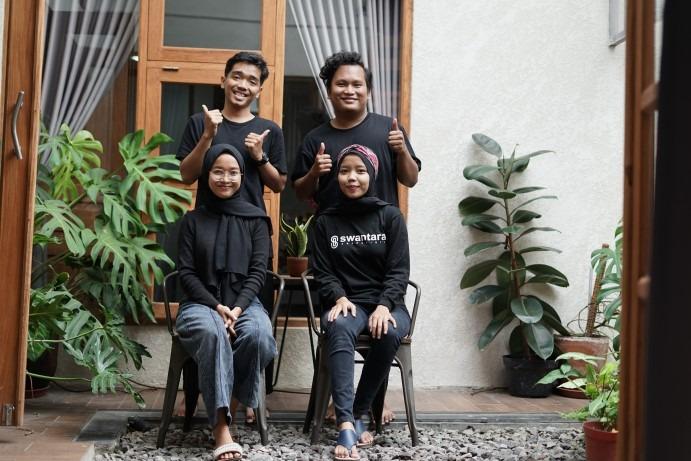 Asih Susiyanti dan tim Kainesia
